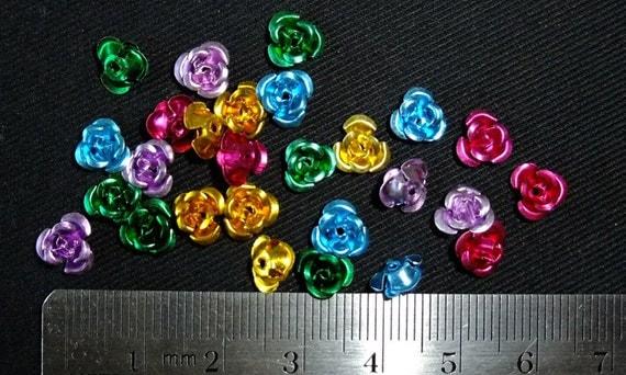 Destash (25) Multi-Coloured Rose Flower Beads