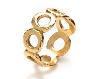 hand hammered seven circles 18K gold ring (slim