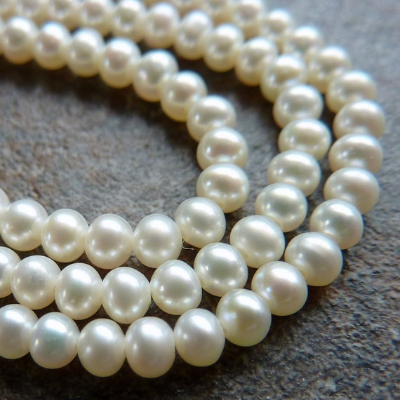 Fresh Water Pearls  White Pearls Round 3mm  Bridal Weddings Half Strand