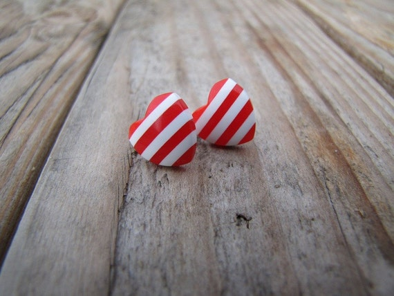 Red and white hearts - horizontal - Stripe Summer Collection