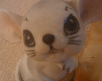 please oh please may i have some cheese mouse salt and pepper shakers the face is the best