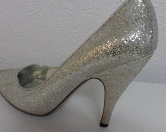 cinderella would be jealous silver sparkle nina pumps   size    7  1/2     straight from the glam  fairy