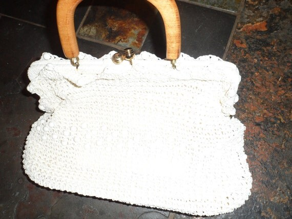 SALE lovely 1960s wood handle  creamy white bead and crochet /woven  handbag