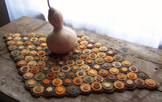 Folk Art - Early American Style Penny Rug - All Hand Dyed Antique Wool - Beautiful Fall Autumn Colors