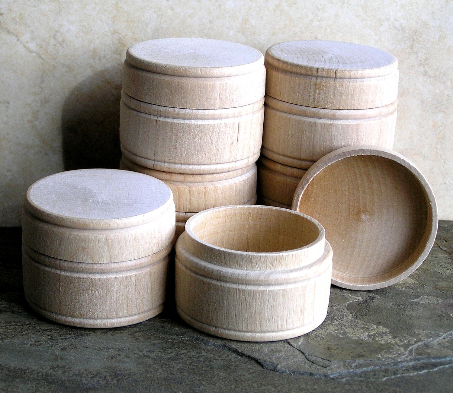 Unfinished round wood box for altered collage craft supply for Circular wooden box