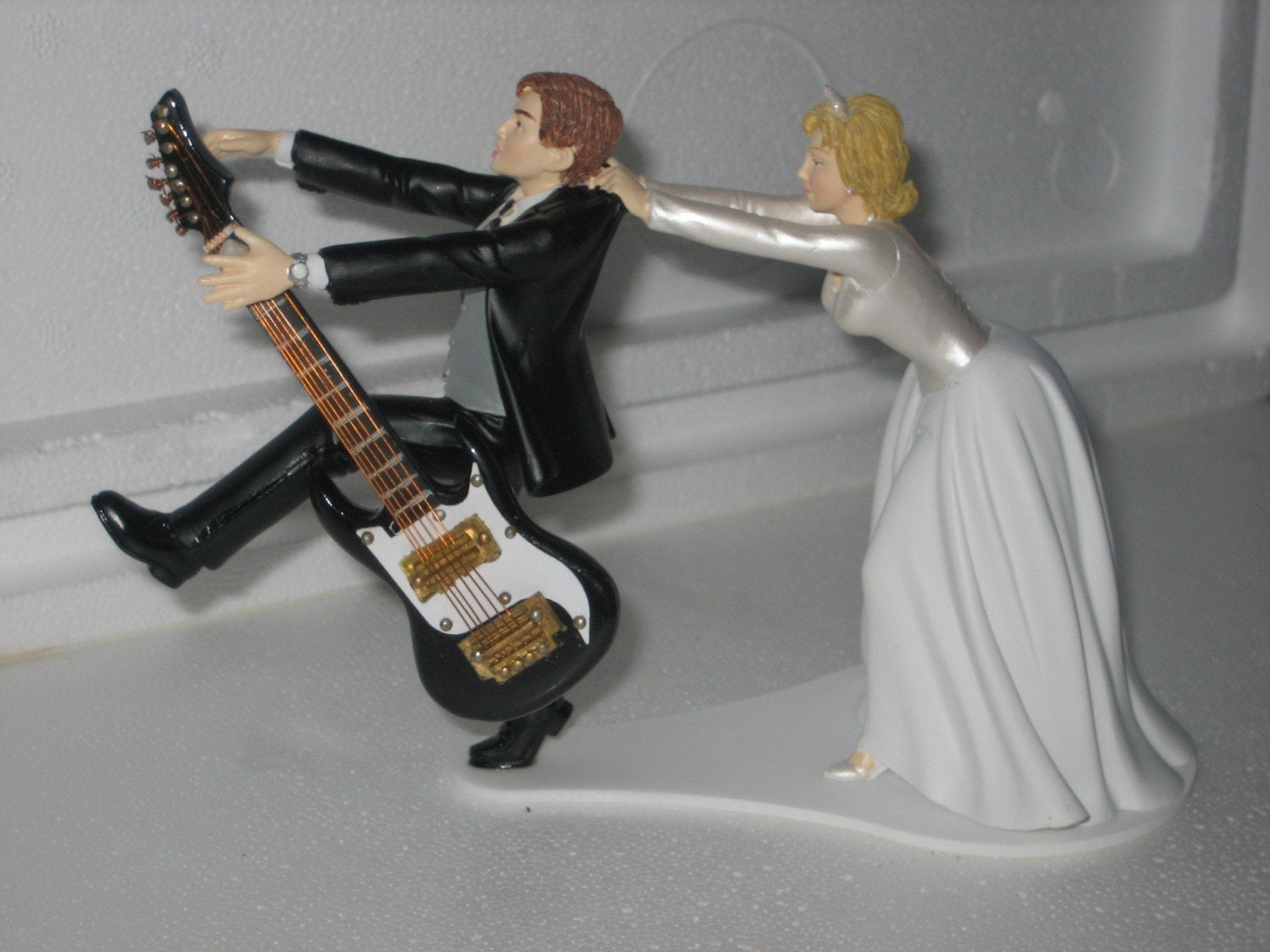 wedding cake topper man with guitar guitar themed wedding cake topper groom 26352