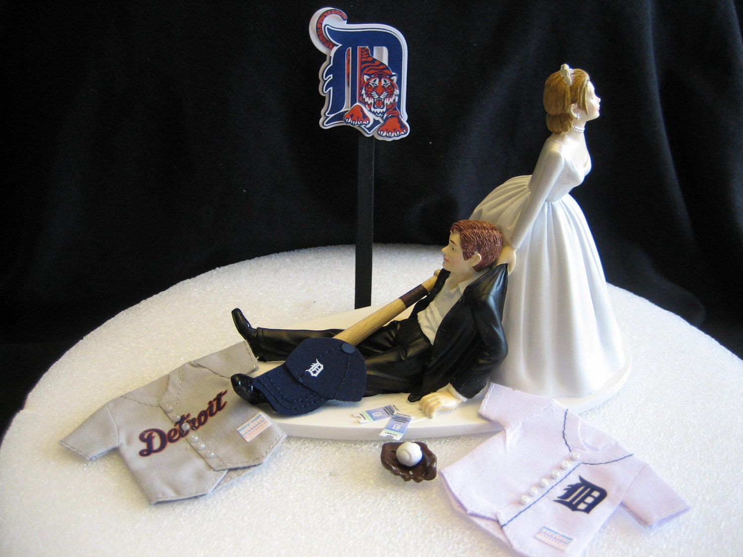 Detroit Tigers BASEBALL Wedding Cake Topper Groom Cake