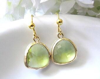 Apple Green Faceted Glass Drop Earrings - Peridot Bridal Wedding Jewelry, Bridesmaid Earrings, Bridal Earrings