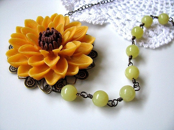 Sunflower Statement Necklace, Classic Yellow And Brown Big Chrysanthemum With Yellow Olive Jade Necklace, Summer, Gift For Her