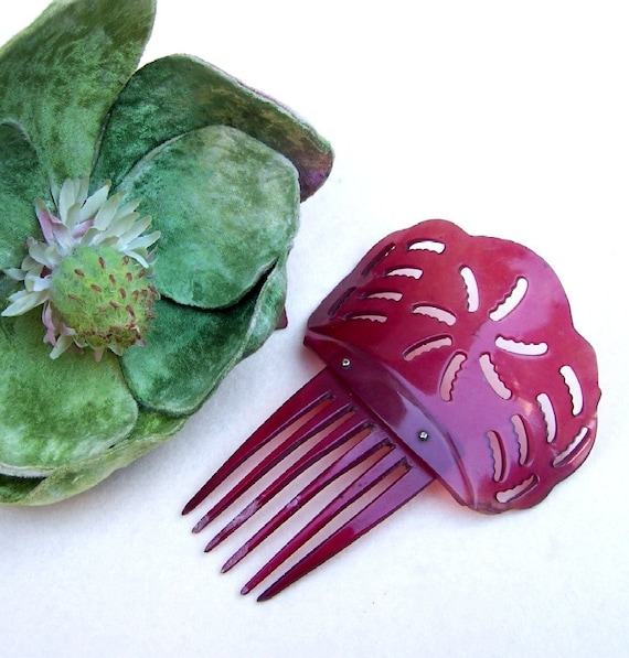 antique hair comb Victorian red dyed steer horn vintage hair accessory