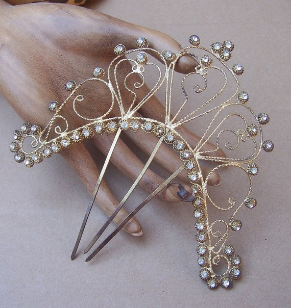 Vintage hair comb Victorian Anglo Indian gold tone filigree (CAT)
