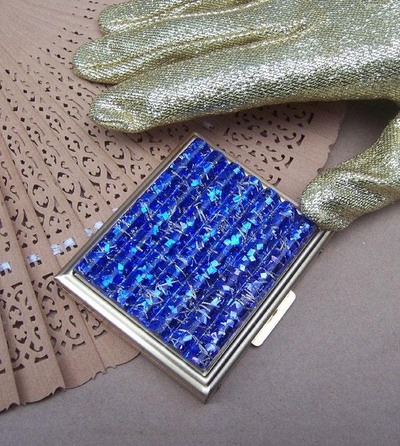 Vintage powder compact blue silver confetti Lucite unused 1960s (S)