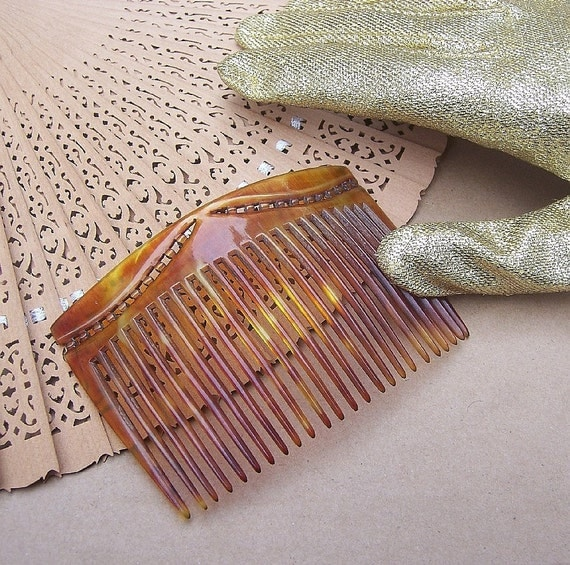 Vintage hair comb Victorian or Edwardian faux tortoiseshell hair accessory