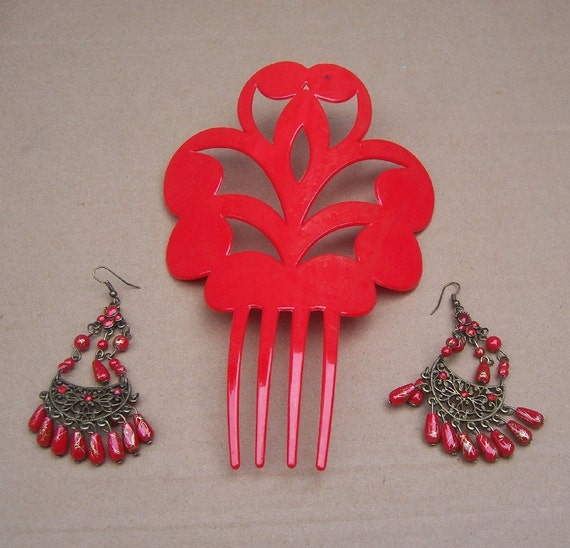 Vintage hair comb earring set red Spanish dance mantilla style hair accessory (A)