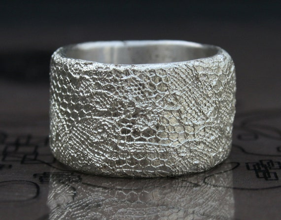 delicate lace texture silver ring - ready to ship in size 7 - 7  1/2, LAST PIECE in this lace pattern