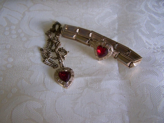 1940' Sweetheart Necklace and bracelet