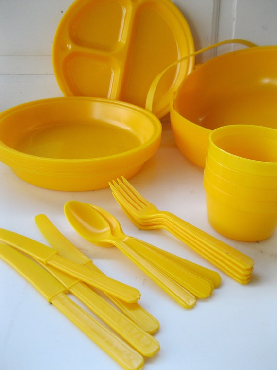 Vintage Picnic Ball-Plastic-Plates-Cups-Flatware-Sunny Summer Yellow-Super Fun from Tessiemay