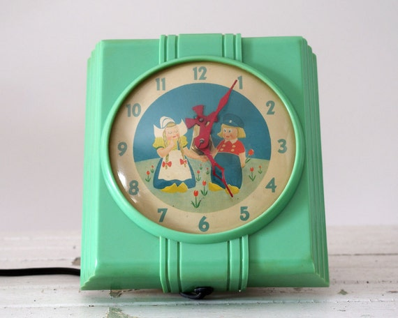 Vintage Kitchen Clock 1930s Dutch Boy And Girl By