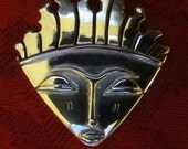 African mask pendant Kito DR1