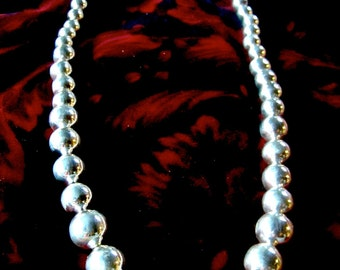 Full Size Extra-large Silver Beads Necklace.