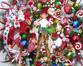 TANGLED LIGHTS Elves Christmas Wreath