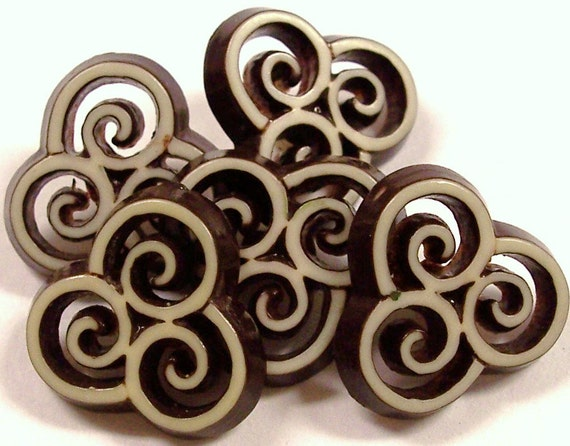 VINTAGE Pierced Buttons Brown and Cream Pierced Double Cut BUTTONS Swirls Style Fashion Button Destash (N71)