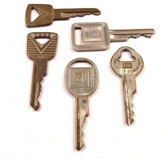 VINTAGE Keys FORD GM Auto Steampunk DeStash Treasures Found Materials Vintage Car Key Destash (F18)