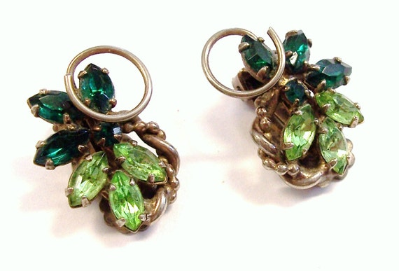 Vintage RHINESTONE Earrings Gorgeous GREEN Rhinestones Fashion Ready to Wear Vintage Jewelry Destash (M31)