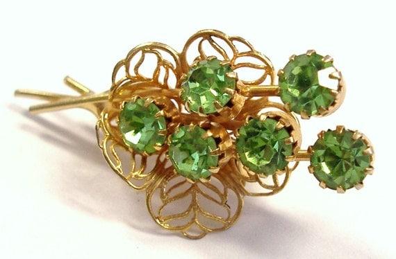 VINTAGE Flower Brooch Pin GREEN Gems Rhinestones Bouquet of Flowers Pin Gold Filigree FAsHION Vintage Jewelry Destash (M24)