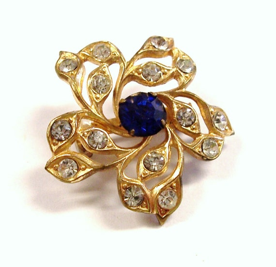 VINTAGE Rhinestone Brooch Pin Gold FILIGREE Blue and Clear Rhinestones Gold Flower Ready to Wear FAsHION Jewelry Destash (M200)