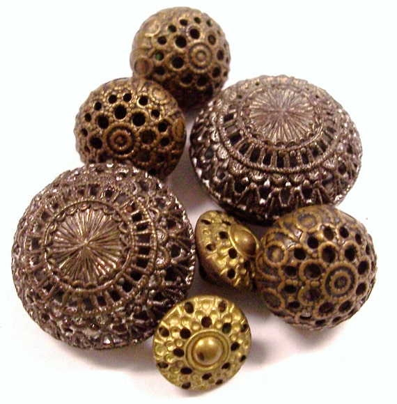 VINTAGE Victorian Buttons Twinkle Buttons Czech Made Vintage Antique Steampunk Fashion Button Destash (Y229)