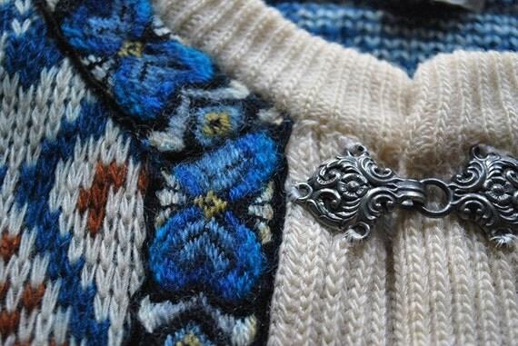 vintage DiRDALSTRiKK NORWEGiAN SWEATER wool metal clasps