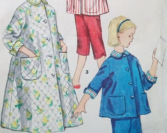 1940s Simplicity 1441 Sewing Pattern Bust 32 Size 14 Years Girls Teens Pajamas Housecoat Lined Capris Bows Peter Pan Collar