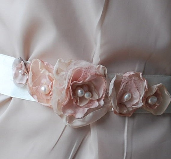 Vintage inspired Bridal sash -belt -DIVINE Blossoms-pale ivory pink and antique rose