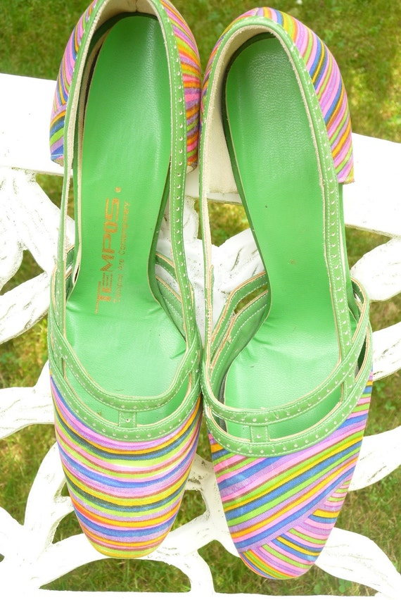 Vintage 1970s Green Leather/Neon Stripes Shoes/Heels Size 8