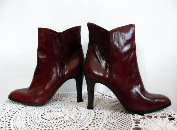 SALE 1970s Ankle Boots Brown Leather High Wooden Heel Joyce California