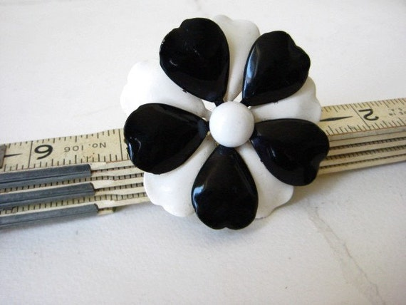 Black and White Flower Power Broach