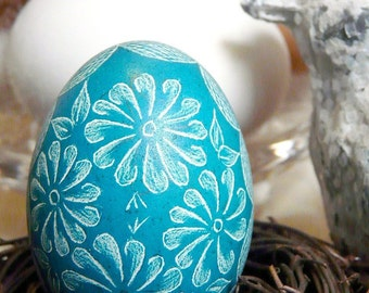 Easter - Etched Scratched - Flowers Chicken - Lithuanian European Pysanky Present - Real Egg Free Stand