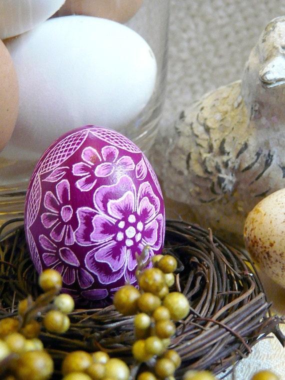 Easter Basket Egg - Hand Scratched Present Floral Light Plum Purple Pastel -  Lithuanian Etched Carved