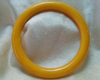 Bakelite Bangle Bracelet Marbled Butterscotch Vintage Jewelry