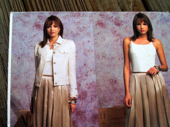 Vogue Pattern Oscar de la Renta Vogue Designer