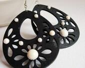 SALES 50% OFF Black drop wood earrings - pendant - pearls