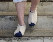 Strong white navy warm wool hand knitted socks slippers for men