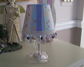 Sweet Little Accent Shade  On Sale  35.00 now 25.00