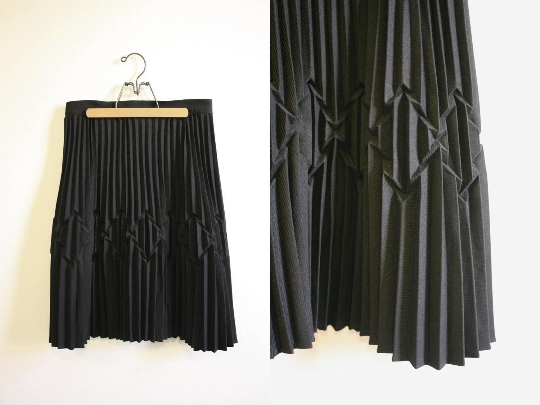 black accordion pleated skirt modern pattern high waist