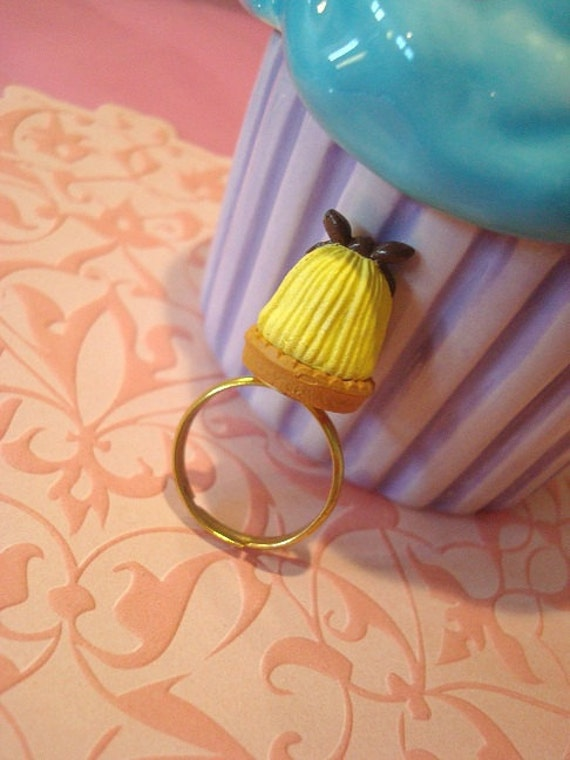 Alice in Wonderland Blonde Hair with Bow Ring