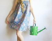 GooD MoRNiNG, SUNSHINE   80s Skirt Tube Dress in Sky Blue with Flowers  S / M / L