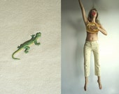 SaLe SECReT Of The LIZARD Vintage JCrew Soft Denim Pale Yellow Cropped Pants with Green Lizard Embroidery  Size S