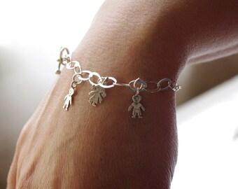 Silver Child Charm Bracelet, Boy Girl charm bracelet sterling silver one child charm, Dainty Charm Bracelet, Silver Charms,Baby Shower Gift