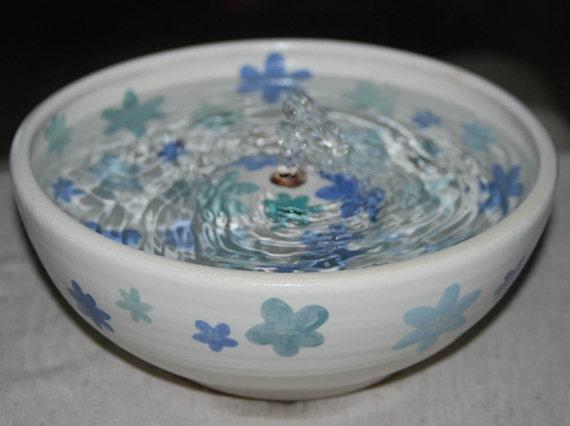 "Handmade, Food-safe, Ceramic Cat Fountain, ""Daisy Dance"" - 9 Inch Diameter"